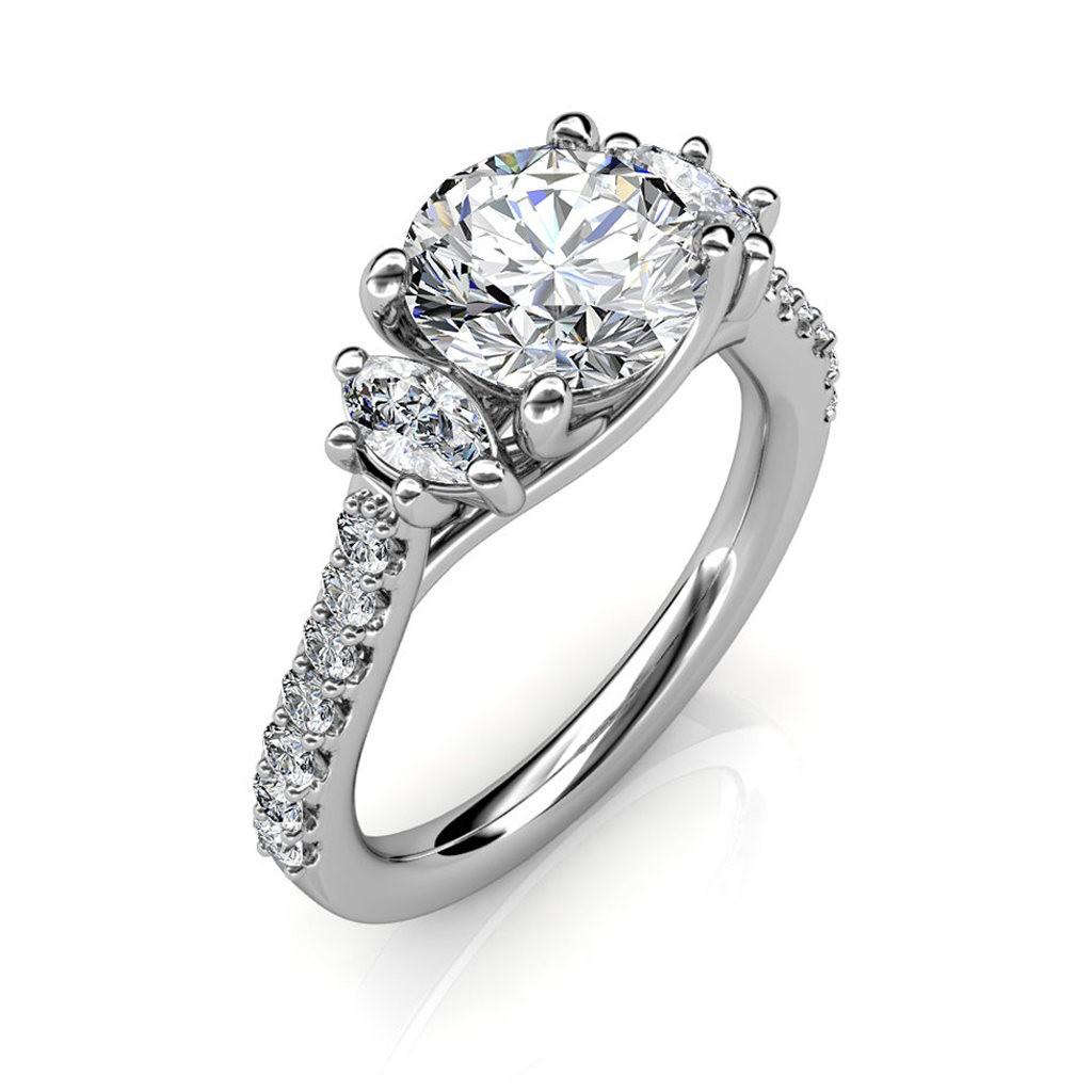 The Amia 3-stone Ring