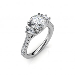 The Amia 3-stone Ring