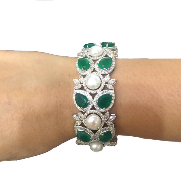 Pear Emerald Diamond Bracelet