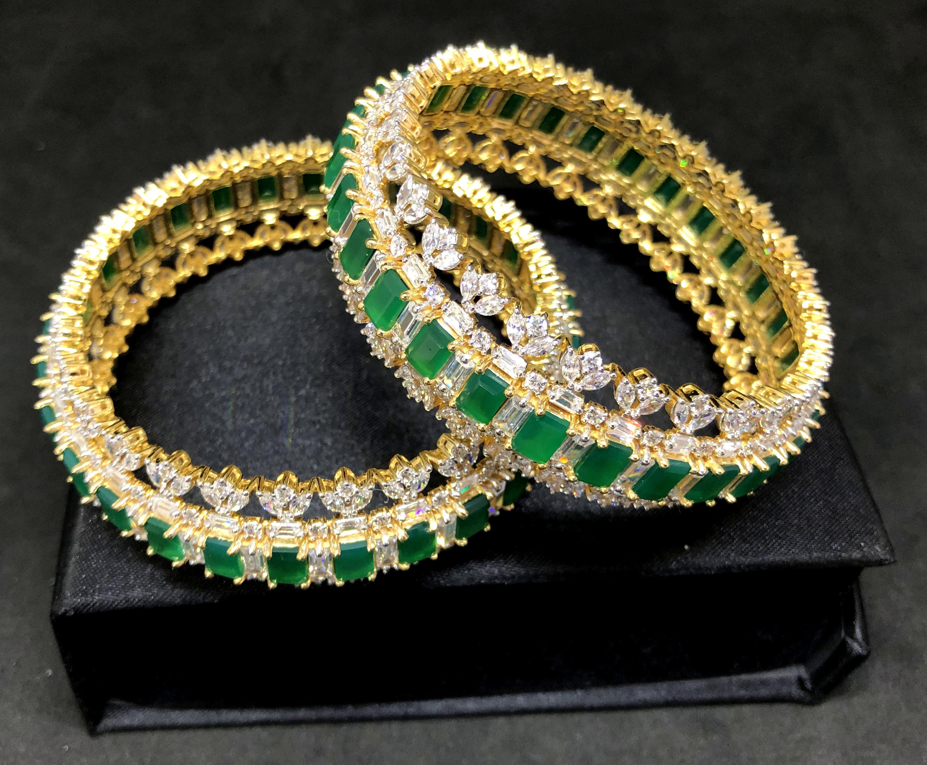 Women's Gemstone Bangle